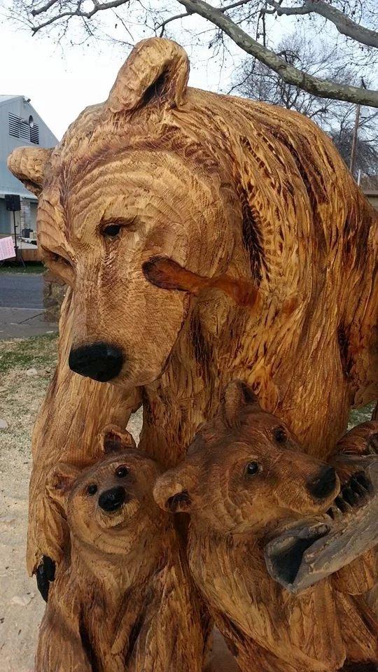 wood carvings of bears